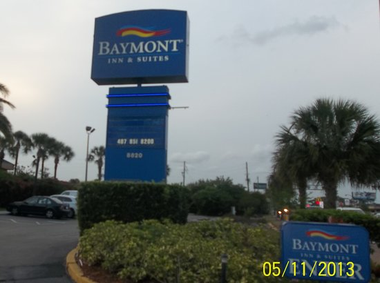Baymont Inn &amp; Suites Florida Mall/Airport West: marquee
