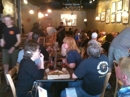 Bismarck, Dakota del Norte: Live music at Laughing Sun Brewing Company