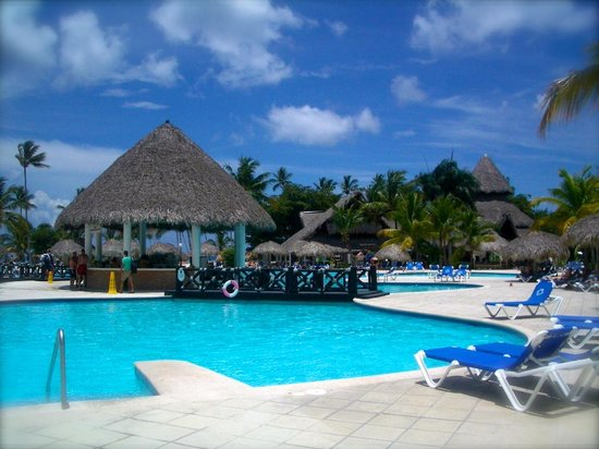 Be Live Canoa: Pool area