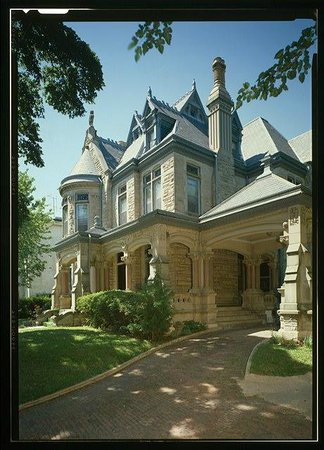 Saint Joseph, Миссури: The Majestic Shakespeare Chateau