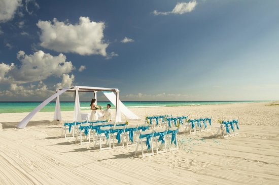 Sandos Riviera Beach Resort &amp; Spa: Ideal wedding location