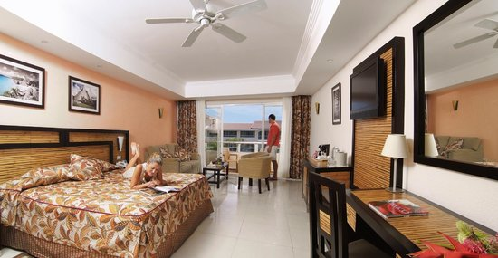 Sandos Riviera Beach Resort &amp; Spa: Junior Suite Riviera Select