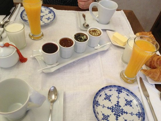 Riad Cherrata: Lovely breakfast