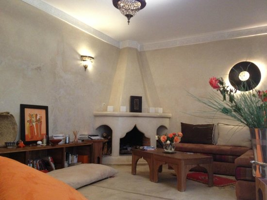 Riad Cherrata: Cozy area