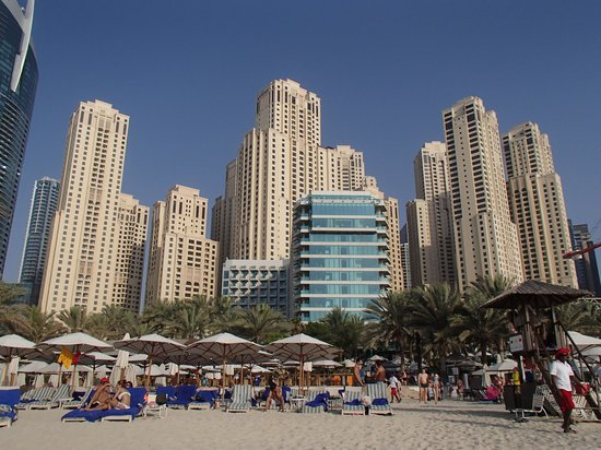 Hilton Dubai Jumeirah: view of hotel from beach