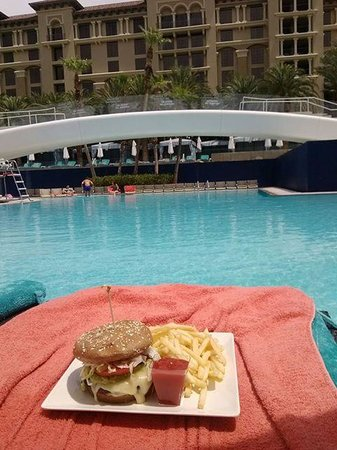 Green Valley Ranch Resort and Spa: Black Bean Burger,,,Delicious!!