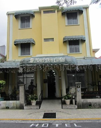 Hotel Don Carlos: Front of Hotel