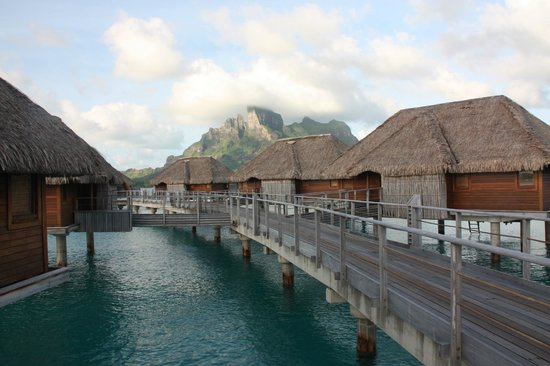 Four Seasons Resort Bora Bora: The bungalows