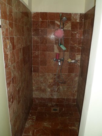 Grand Palladium Jamaica Resort & Spa: Massive shower