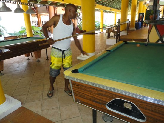 VIK Hotel Arena Blanca: My honey loves to shoot pool