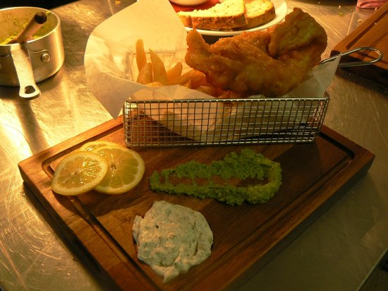 Aberystwyth, UK: Fish and chips in a basket