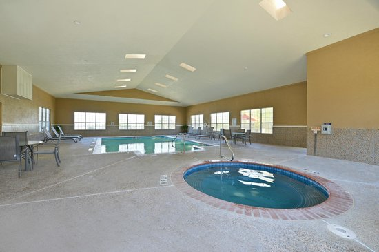 Weatherford, TX : Large Indoor Heated Pool