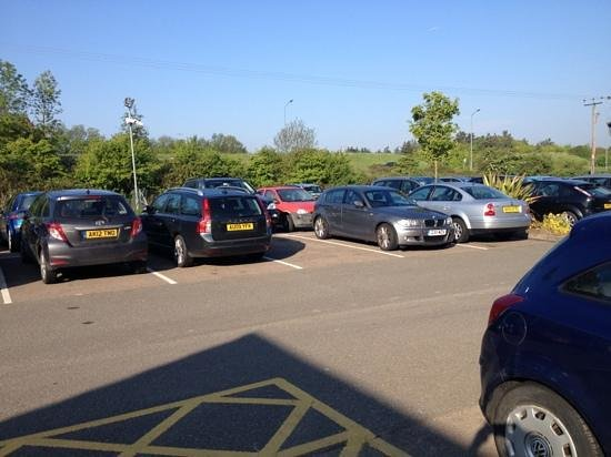 King's Lynn, UK: Adequate parking, disabled bays by the entrance