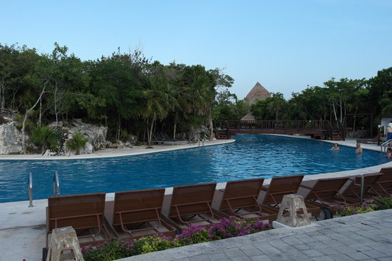 Grand Sirenis Riviera Maya Hotel & Spa: the relaxing pool