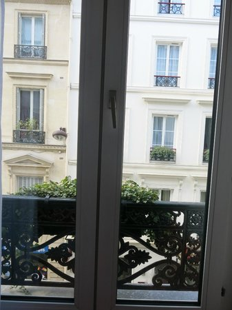 Hotel Monterosa - Astotel Paris : view