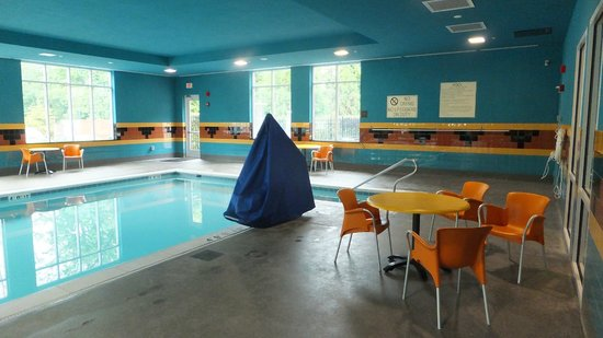 Holiday Inn Hotel & Suites, Williamsburg-Historic Gateway: 515 Bypass Pool Area