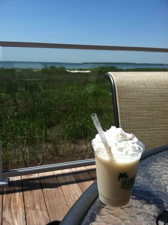 Hampton Inn & Suites Ocean City: pina colada at the tiki bar