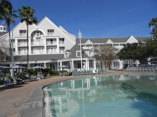 Disney's Yacht Club Resort: hotel view from the lagoon