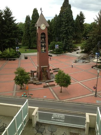 Hilton Vancouver Washington: view of clock and nice park