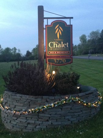 Canandaigua, NY: The entrance to the Chalet