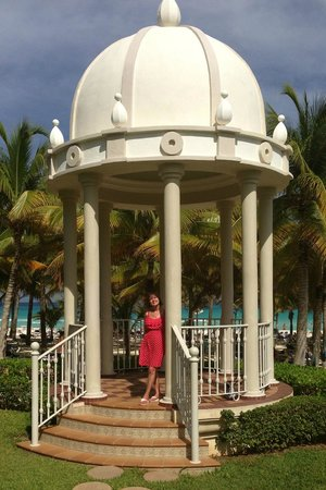 Riu Palace Riviera Maya: Gazebo by Pool