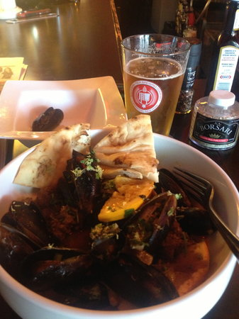 Jamestown, État de New York : Moroccan Mussels (yes, I ate one already)