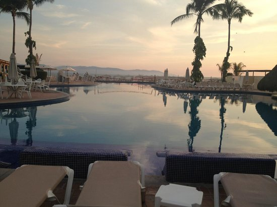Velas Vallarta: POOL VIEW