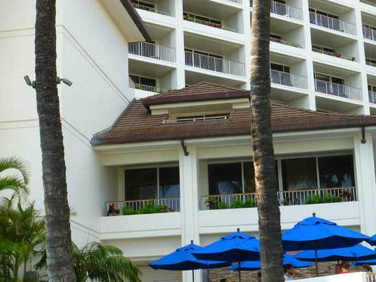 JW Marriott Ihilani Resort and Spa: Our room is the tiny roof you see--nice hidden balcony!
