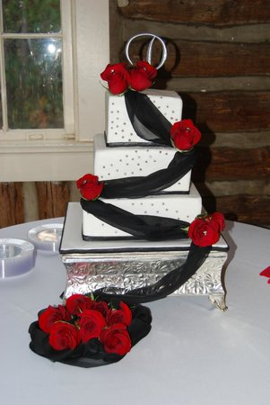 Phenix City, AL: Wedding cake