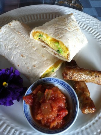 Captain Farris House Cape Cod: breakfast wrap- so good!