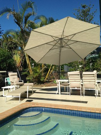 Gold Coast, Australia: pool & bbq area