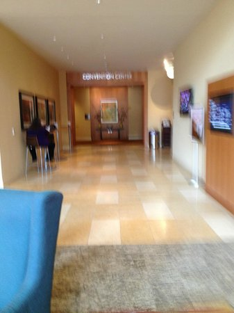 Vancouver, WA: Lobby outside of Grays