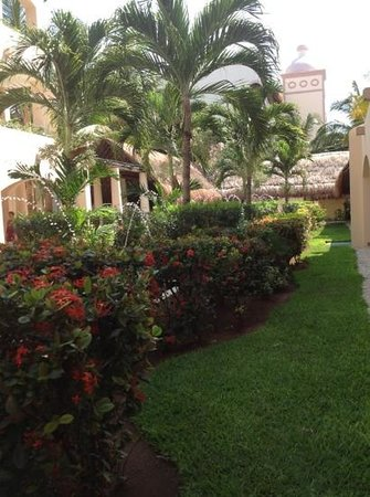Excellence Riviera Cancun: on the way to my room