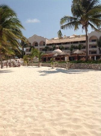 Excellence Riviera Cancun: view from the pool