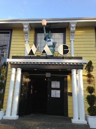 White Rock, Canada: Front of the Building - WAG