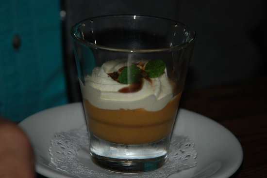 "Montara, Californien: Suspiro a la Limena for dessert - ""Sigh of the Lima Woman"""