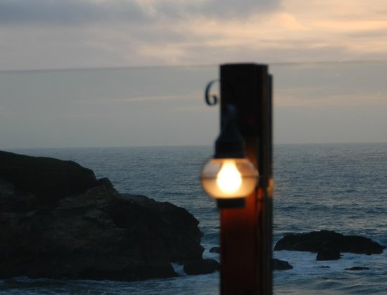 Montara, Californien: View from table on outside deck
