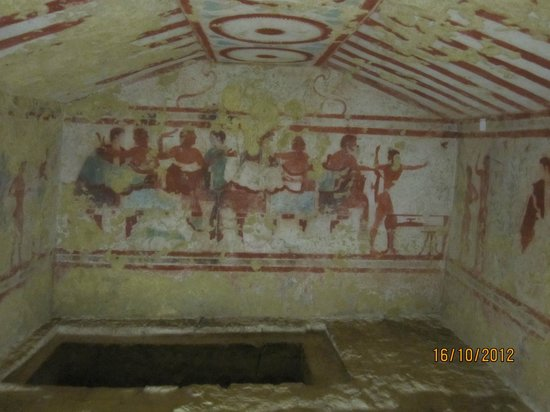 Lazio, Italien: Inside the tombs II.