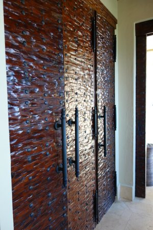 Capella Pedregal : Lovely doors in my suite 