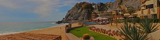 Capella Pedregal: Hotel view from beaach
