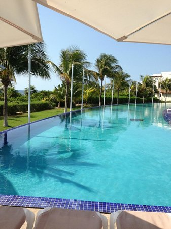 Moon Palace Golf & Spa Resort: Pool at Grand section