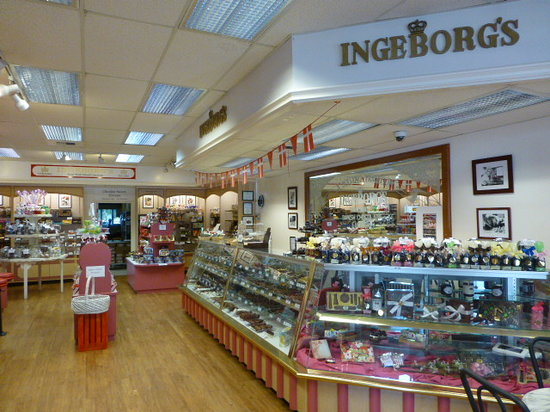Solvang, CA: What a great little shop of treats!
