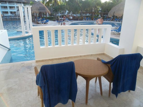 Grand Riviera Princess All Suites Resort & Spa: Swim-up Pool Balcony