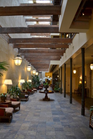Country Inn & Suites New Orleans: Foyer