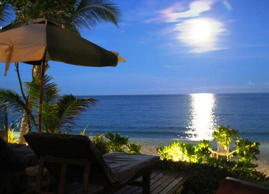 Banana Fan Sea Resort : Full Moon from Jaccuzzi
