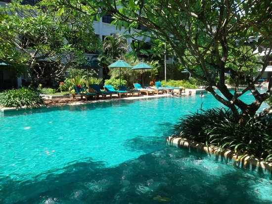 Banthai Beach Resort & Spa: Pool view
