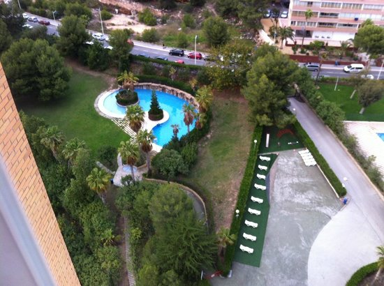 Beni Beach Apartments: Pool view from 15th Floor