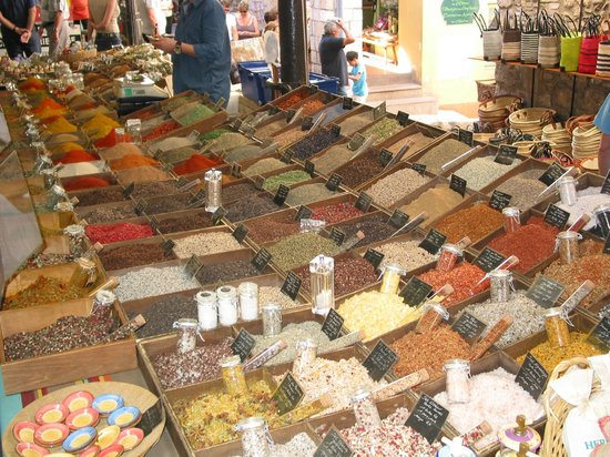 Spice stand at the antibes market photo de marche provencal antibes trip - Marche provencal chambray ...