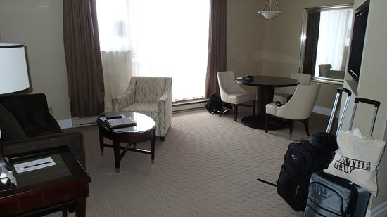Albert at Bay Suite Hotel: View of room 401