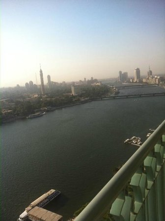 Four Seasons Hotel Cairo at Nile Plaza: Four Seasons Executive Suite: Day View